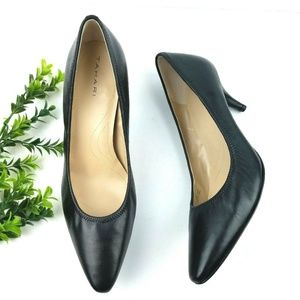 TAHARI Brett Point Toe Black Leather Pumps  S27